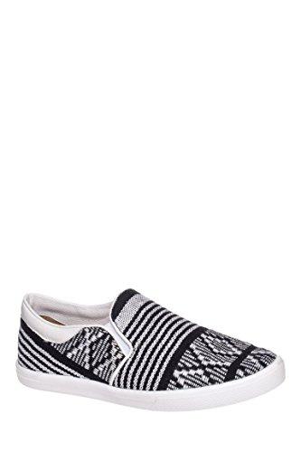 Macondo Skate Slip On Sneaker
