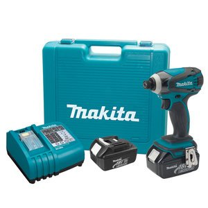 Makita LXDT04 18-Volt LXT Lithium-Ion Cordless Impact Driver Kit