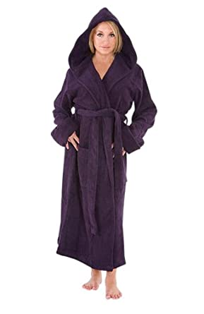 Del Rossa Women's Classic Fleece Hooded Bathrobe Robe, 1XL 2XL Purple (A0115PUR2X)