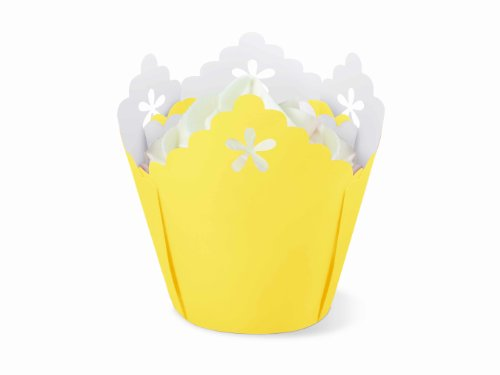 Wilton Yellow Flower Pleated Eyelet Baking Cups, 15 Count