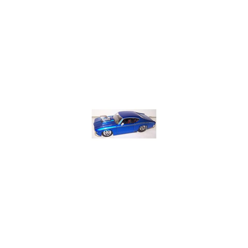 Jada Toys 1/24 Scale Diecast Big Time Muscle with Blown Engine 1969 Chevy Chevelle Ss in Color Blue