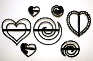 Swirls & Hearts Patchwork Cutter Sugarcraft Equipment Tool (Swirl Cutter compare prices)