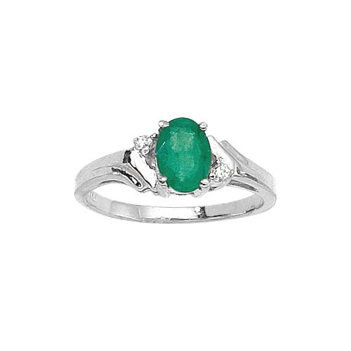 Emerald Shaped Engagement Rings