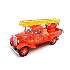 diecast collectible car: 1935 Chevrolet Fire Truck 1:24 Diecast
