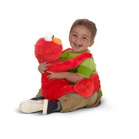 hugs elmo