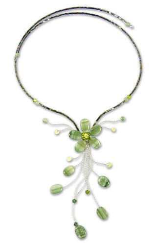 Green Beaded Flower Necklace, 'Sea Green Forest' 3.9