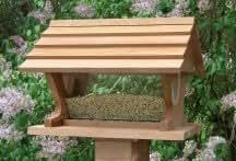 Looker Belle Vista Cedar Bird Feeder