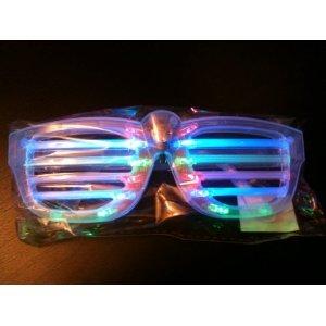 【LEDシャッターシェード】ロックスターのライトアップサングラス