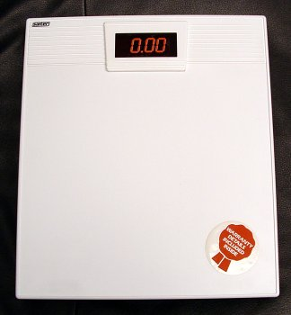 "Cheap ""Electrathin"" Bathroom Scale (980A)"