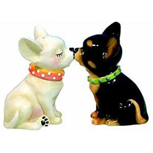 Kissing Chihuahua Dogs Salt and Pepper Shakers