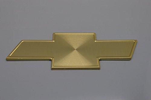 スズキ シボレークルーズ(HR52S)金色 シボレーエンブレム