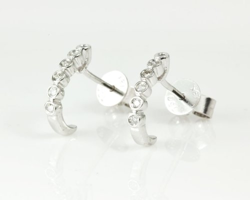 Diamond stud earrings, 18 karat white gold, 0.07ct diamonds weight