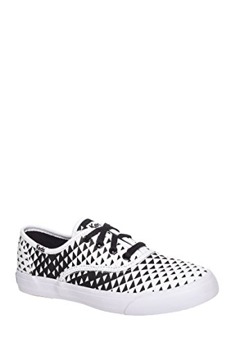 Triumph Triangle Low Top Sneaker
