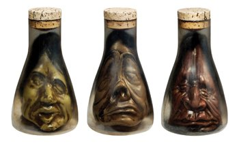 Costumes For All Occasions PM548049 Shrunken Heads In Flask Assort (Wretched Animated Prop)