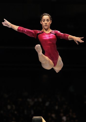 Aly Raisman Olympic Hero Women\'s Gymnastics Limited Print Photo Poster 11x17 #1 by Photo posters [並行輸入品]