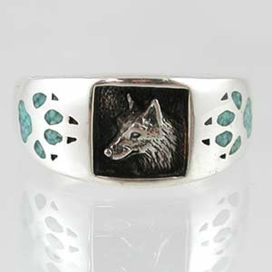 Southwestern Style Three Dimensional Wolf Head Ring in Sterling Silver with Turquoise Chip Inlay Wolf Paw Prints for Men or Women, Size 7, #11874