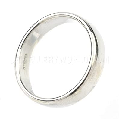 5mm 9ct White Gold Soft Court Wedding Ring