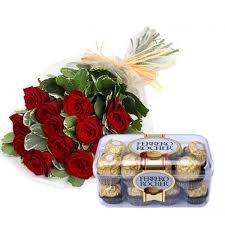 promocion-ramo-de-12-rosas-rojas-naturales-frescas-caja-16bombones-ferrero-rocher-nota-personalizada