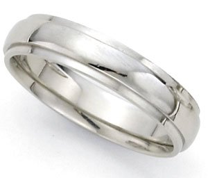 Medium-Weight Dome Step Wedding Band in 14k White Gold (5mm)