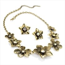Brand New Burnished Gold Ab Effect Diamante Flower Necklace And Earring Set