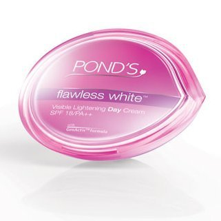 Pond's Flawless White Visible Lightening Day Cream 50 g