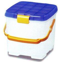 バケツ・BOX・踏み台など使い方色々!ポローヌボックス (10L 耐荷重100kg) TB-237