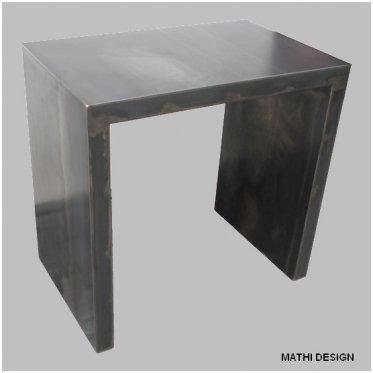 Petit escritorio acero bruto desgastado