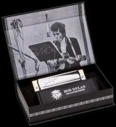 Armonica a bocca Hohner Bob Dylan Signature Serie C-Duracell