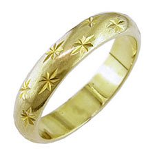 9ct Yellow Gold Star Patterned Wedding Band. 4mm Wide - Size M