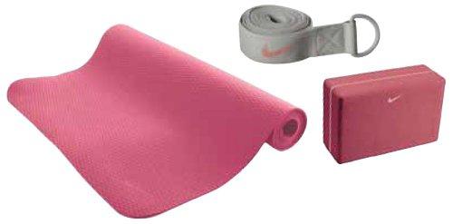 Avanzar sirena A veces a veces  NIKE Essential Yoga Kit - Kelly R. Drewink