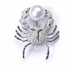 DIAMOND PAVE CRAB PIN WITH 12mm SOUTH SEA PEARL in 18k White Gold
