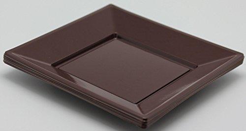 8-assiettes-carres-plastique-chocolat-23x23-cm