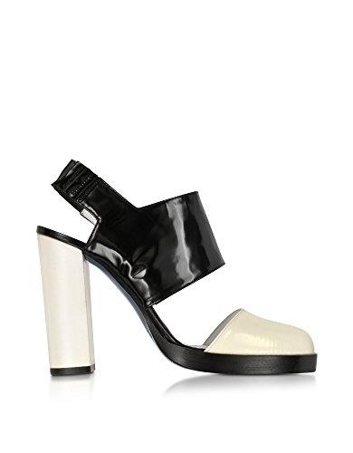 jil-sander-womens-js2229600509-black-leather-sandals