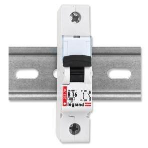 legrand-25-amp-type-b-6-ka-mcb-circuit-breaker-230-400v-032-72-bs-en-60898