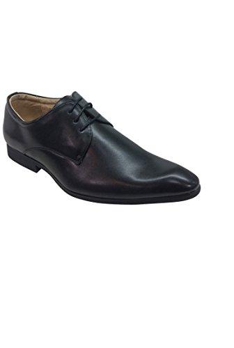 chaussure homme noire classique vitrines de la mode. Black Bedroom Furniture Sets. Home Design Ideas