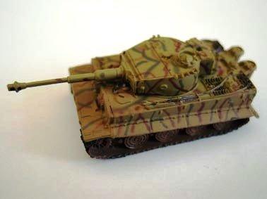 ドイツ軍 ティーガー�T(VI号戦車) 重戦車 後期型 三色迷彩(イエロー・ブラウン・グリーン)