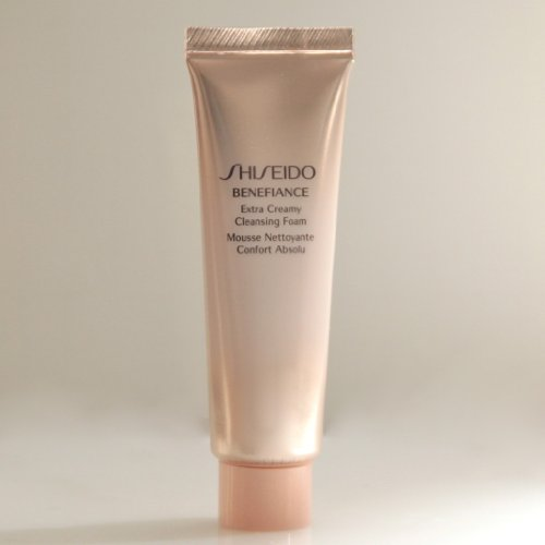 Shiseido Benefiance Extra Creamy Cleansing Foam 30ml/1OZ, Travel Size (Shiseido Benefiance Eye Cream compare prices)