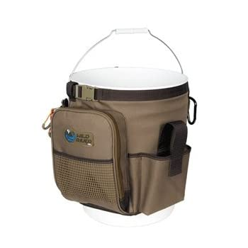 The Rigger WN3506 is Wild River's soft tackle, 5-gallon bucket organizer. It  features a zippered pocket ready for your aerator and spare batteries to help you keep your bait lively. The Rigger has storage for two 3500-series trays (not included), an...
