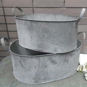 Set 2 galvanised metal vintage style wooden bucket bath for Metal bucket planter