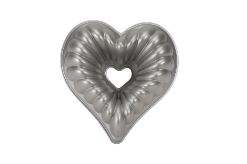 Nordic Ware Platinum Collection Cast Aluminum Fancy Heart Pan