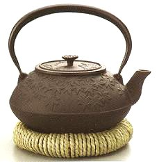Southern iron kettle tea each autumn leaves straw seat with 1.2L IH correspondence and gas support (japan import) (Pooh Tea Kettle compare prices)