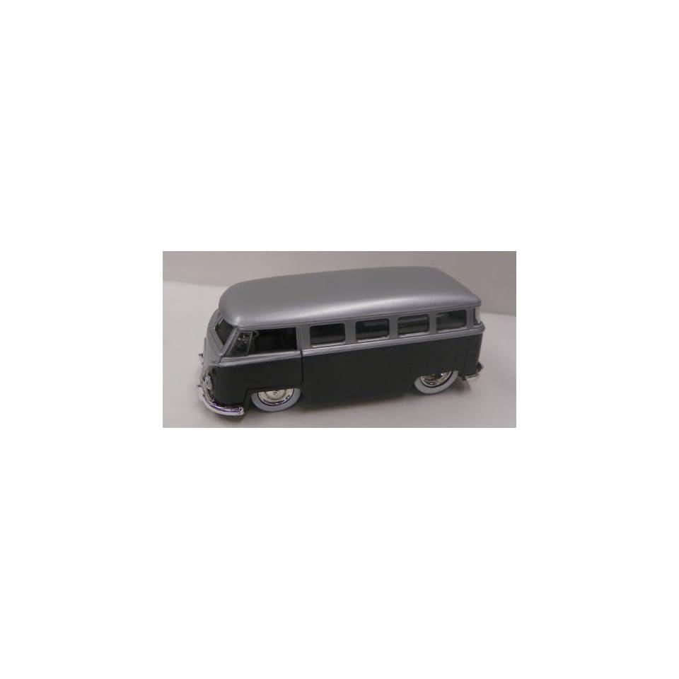 Jada Toys 1/32 Scale Diecast Dub City Series 1962 Vw Bus