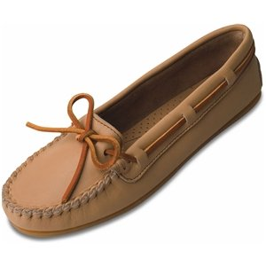 Minnetonka Women's 617 Moccasin,Sand,6.5 M US