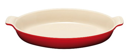 Le Creuset Heritage Stoneware 3.1-Quart Oval Au Gratin Dish, Cherry