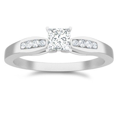 0.60 Carat Diamond Engagement Ring with Princess cut Diamond on 18K White gold