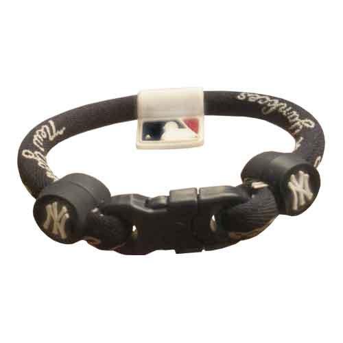 Phiten Custom New York Yankees Navy Blue Titanium Bracelet with Yankees Trim and Navy Clasp 7″