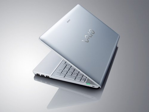 Sony VAIO VPCEB1E0E 15.5 inch Laptop (Intel Core i3-330M 2.13GHz, 3Gb, 320Gb, DVDRW, Webcam, Win 7 Home Premium 64bit (White)