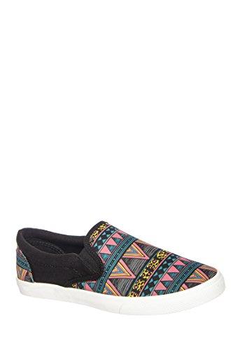 Tribal Slip-On sneaker