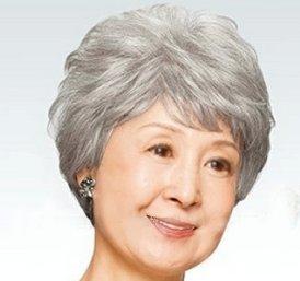 中高年 女性 用 かつら ウイッグ 花白色 かつらスタンド、ネット、ヘアピン付きセット