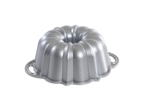 Nordic Ware Platinum Collection Cast Aluminum Bundt Pan, 6 Cup